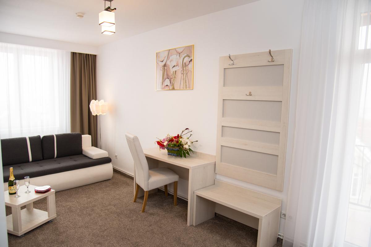 6 apartament